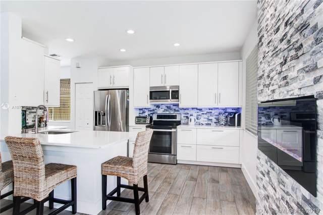 1493 N Majesty, Weston, FL 33327 (MLS #A10770019) :: Green Realty Properties