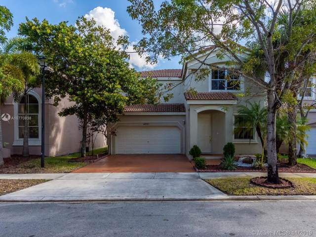 4921 SW 155th Ave, Miramar, FL 33027 (MLS #A10770838) :: United Realty Group