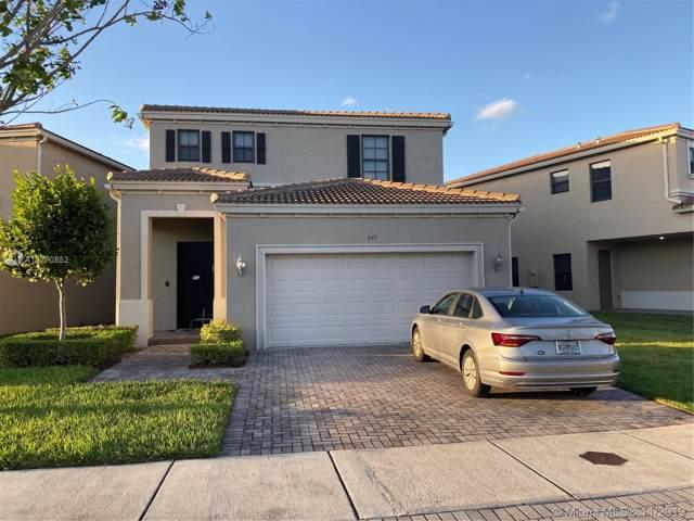 845 NE 191st St, Miami, FL 33179 (MLS #A10770852) :: Laurie Finkelstein Reader Team
