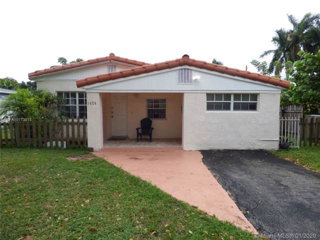 1424 NE 174th St, North Miami Beach, FL 33162 (MLS #A10773518) :: Albert Garcia Team