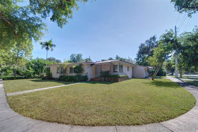 530 Tibidabo Ave, Coral Gables, FL 33143 (MLS #A10776403) :: The Adrian Foley Group