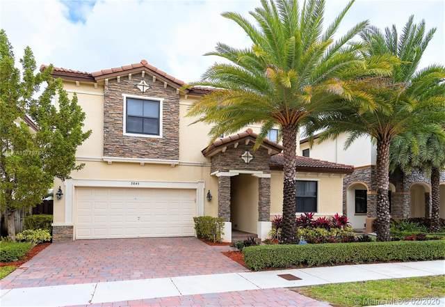 9845 NW 86 TE, Doral, FL 33178 (MLS #A10779784) :: Berkshire Hathaway HomeServices EWM Realty