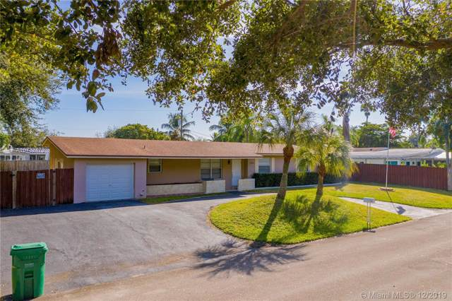 12455 SW 94th Ave, Miami, FL 33176 (MLS #A10782473) :: The Jack Coden Group