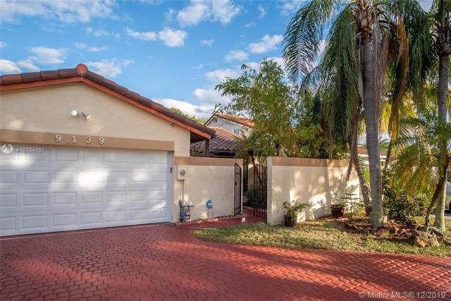 9139 SW 150th Ave, Miami, FL 33196 (MLS #A10784081) :: The Howland Group