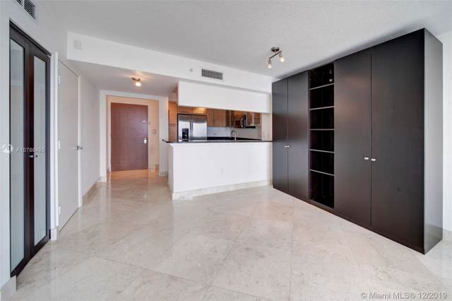 31 SE 5th St #1807, Miami, FL 33131 (MLS #A10786485) :: GK Realty Group LLC