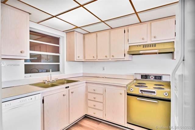 9481 Evergreen Pl #406, Davie, FL 33324 (#A10798586) :: Real Estate Authority