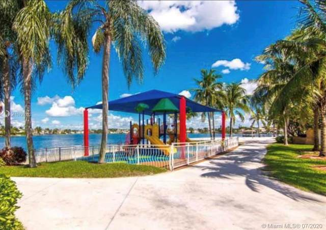 10972 NW 73rd St, Doral, FL 33178 (MLS #A10799322) :: The Riley Smith Group
