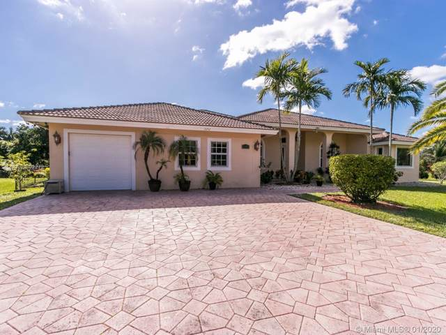 12252 NW 25th St, Plantation, FL 33323 (MLS #A10802272) :: The Howland Group