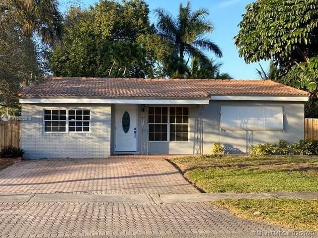 2547 Scott St, Hollywood, FL 33020 (MLS #A10802815) :: Lucido Global