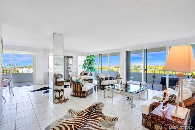 155 Ocean Lane Dr #800, Key Biscayne, FL 33149 (MLS #A10804366) :: Berkshire Hathaway HomeServices EWM Realty