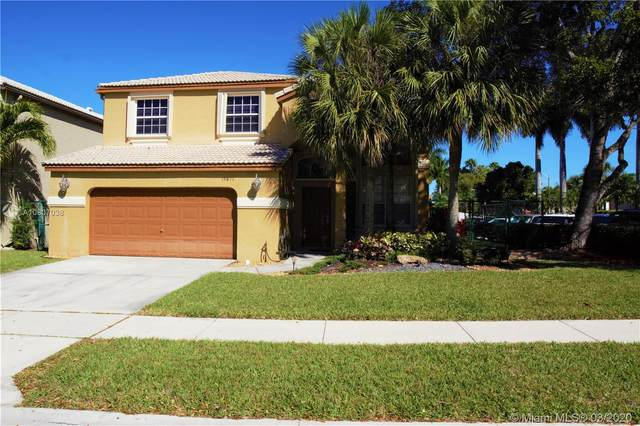 15811 NW 10th St, Pembroke Pines, FL 33028 (MLS #A10807038) :: Prestige Realty Group