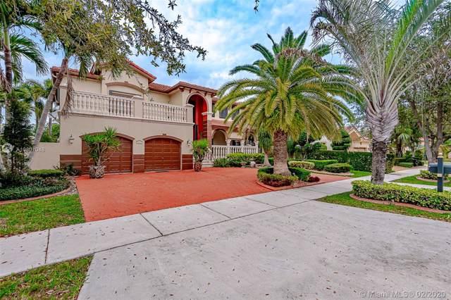 8441 NW 163 TERRACE, Miami Lakes, FL 33016 (MLS #A10807048) :: Grove Properties