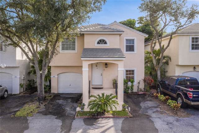 9808 NW 9th Ct, Plantation, FL 33324 (MLS #A10811192) :: The Jack Coden Group