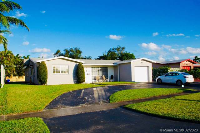 2121 N 53rd Ave, Hollywood, FL 33021 (MLS #A10812065) :: Green Realty Properties