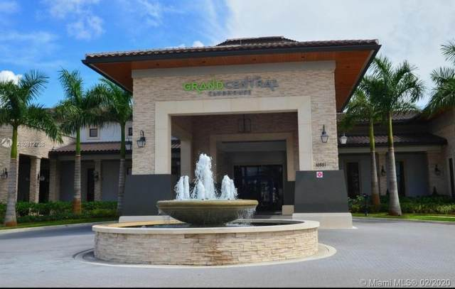 8900 NW 97th Ave #211, Doral, FL 33178 (MLS #A10812738) :: The Paiz Group