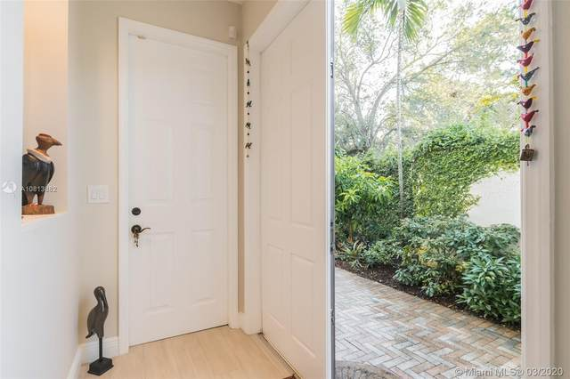 3069 Indiana St #18, Coconut Grove, FL 33133 (MLS #A10813882) :: The Riley Smith Group