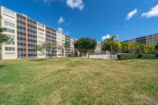 1750 NE 191st St 806-1, Miami, FL 33179 (MLS #A10815211) :: Grove Properties