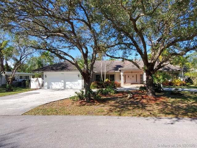 7561 SW 138th St, Palmetto Bay, FL 33158 (MLS #A10818498) :: Kurz Enterprise