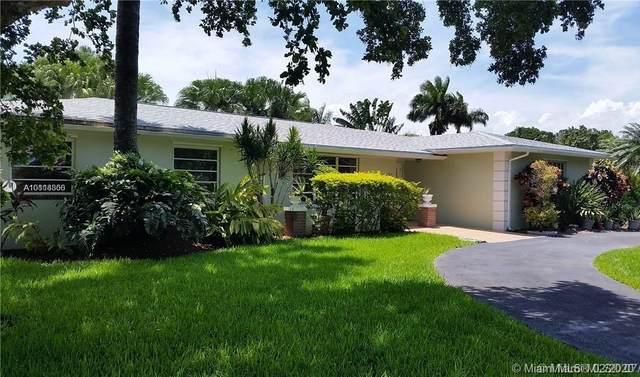 16902 SW 86th Ave, Palmetto Bay, FL 33157 (MLS #A10818850) :: Kurz Enterprise