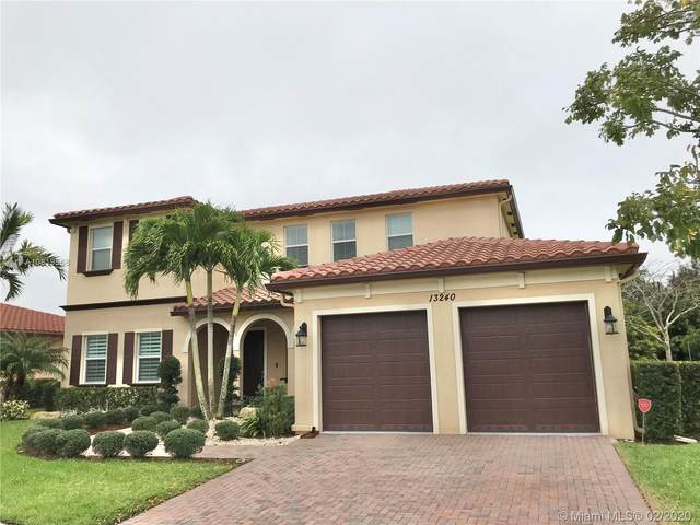 13240 SW 13th St, Davie, FL 33325 (MLS #A10819568) :: Grove Properties