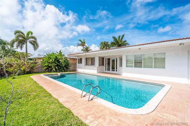 2636 Grace Dr, Fort Lauderdale, FL 33316 (MLS #A10819989) :: The Howland Group