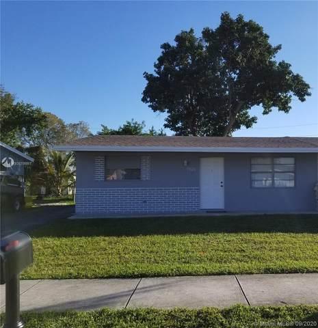 7020 SW 19th St, North Lauderdale, FL 33068 (MLS #A10819997) :: Berkshire Hathaway HomeServices EWM Realty