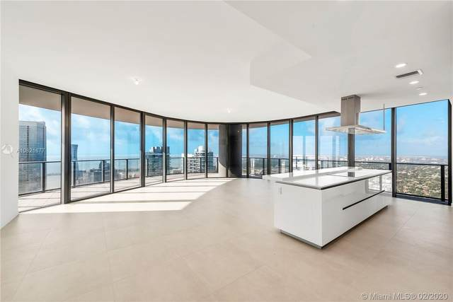 1000 Brickell Plaza Lph 5702, Miami, FL 33131 (MLS #A10821677) :: Ray De Leon with One Sotheby's International Realty