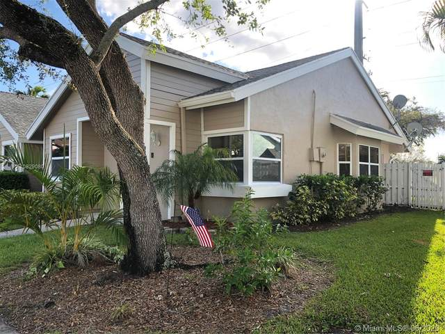 1141 SW 111th Way, Davie, FL 33324 (MLS #A10829080) :: THE BANNON GROUP at RE/MAX CONSULTANTS REALTY I