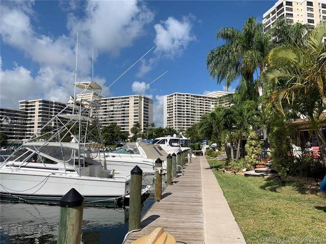 2743 S Parkview Dr, Hallandale Beach, FL 33009 (MLS #A10831830) :: The Paiz Group
