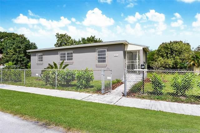 121 E 54th St, Hialeah, FL 33013 (MLS #A10836886) :: The Jack Coden Group
