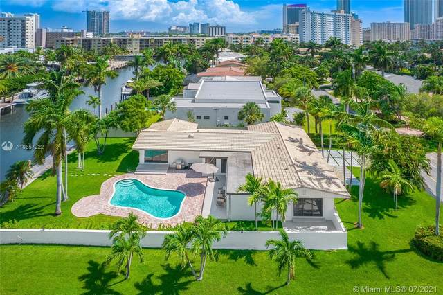 536 Hibiscus Drive, Hallandale Beach, FL 33009 (MLS #A10857222) :: The Howland Group