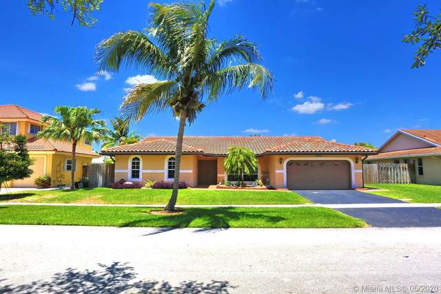 16930 SW 5th Ct, Weston, FL 33326 (MLS #A10859060) :: The Howland Group