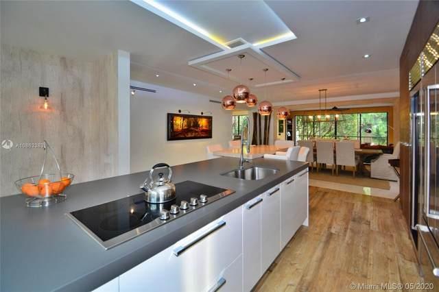 2000 S Bayshore Dr #13, Miami, FL 33133 (MLS #A10863383) :: Castelli Real Estate Services