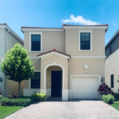 754 NE 191st Ter, Miami, FL 33179 (MLS #A10866282) :: The Paiz Group