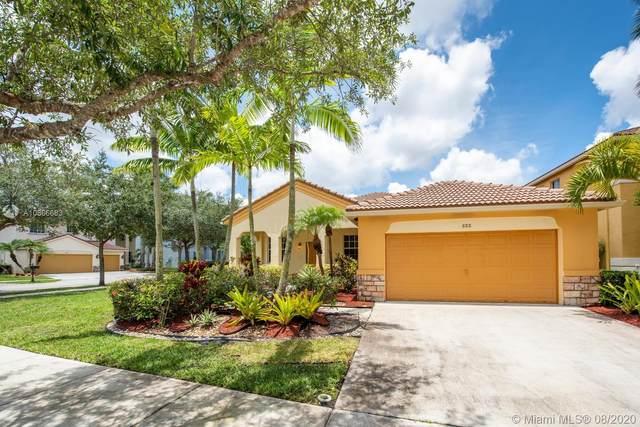 888 Vanda Ter, Weston, FL 33327 (MLS #A10866683) :: Green Realty Properties