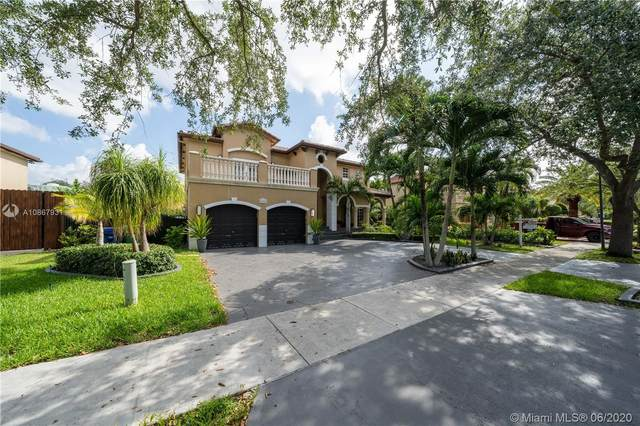 8451 NW 163rd Ter, Miami Lakes, FL 33016 (MLS #A10867931) :: The Riley Smith Group