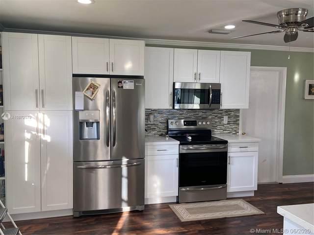 8215 NW 94th Ave, Tamarac, FL 33321 (MLS #A10872579) :: Castelli Real Estate Services