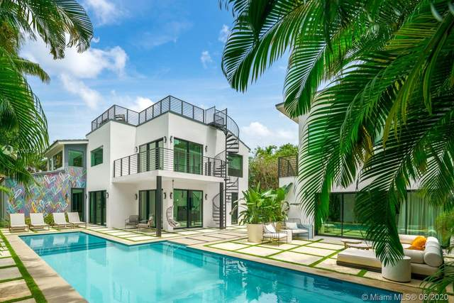 2061 N Bay Rd, Miami Beach, FL 33140 (MLS #A10875119) :: The Riley Smith Group