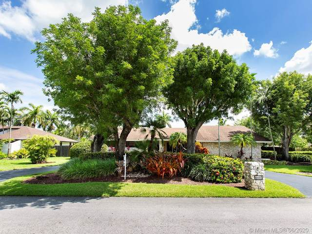 10425 SW 128th Ter, Miami, FL 33176 (MLS #A10878870) :: The Jack Coden Group