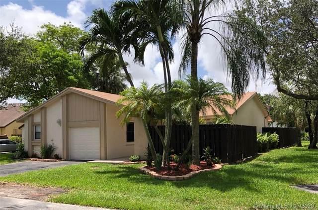 13594 SW 114th Ter, Miami, FL 33186 (MLS #A10883585) :: Grove Properties