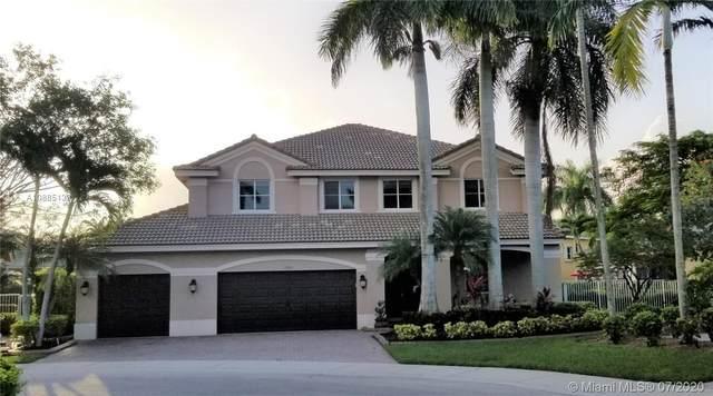 1243 Skylark Dr, Weston, FL 33327 (MLS #A10885139) :: Patty Accorto Team