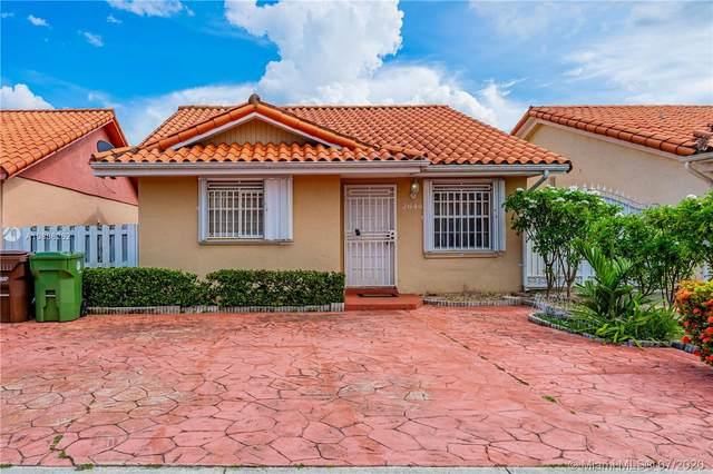 2646 W 73rd Pl, Hialeah, FL 33016 (MLS #A10886262) :: Berkshire Hathaway HomeServices EWM Realty