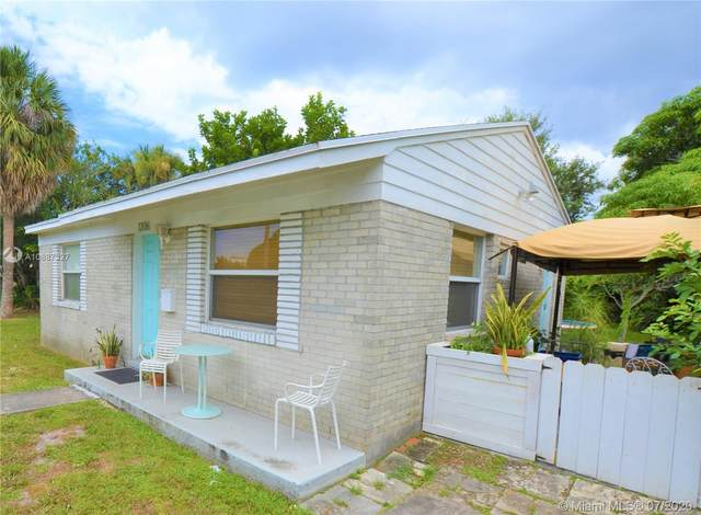 1206 Longwood St, West Palm Beach, FL 33401 (MLS #A10887327) :: Berkshire Hathaway HomeServices EWM Realty