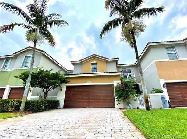 8032 NW 114th Pl, Doral, FL 33178 (MLS #A10889452) :: Prestige Realty Group