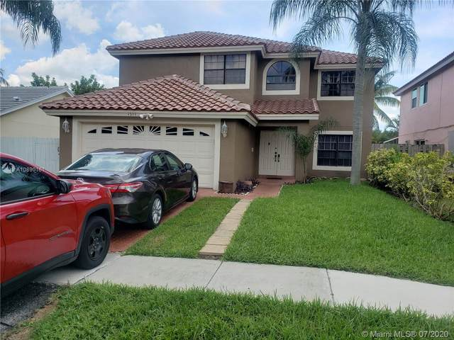 1571 SW 87th Way, Pembroke Pines, FL 33025 (MLS #A10890161) :: The Teri Arbogast Team at Keller Williams Partners SW