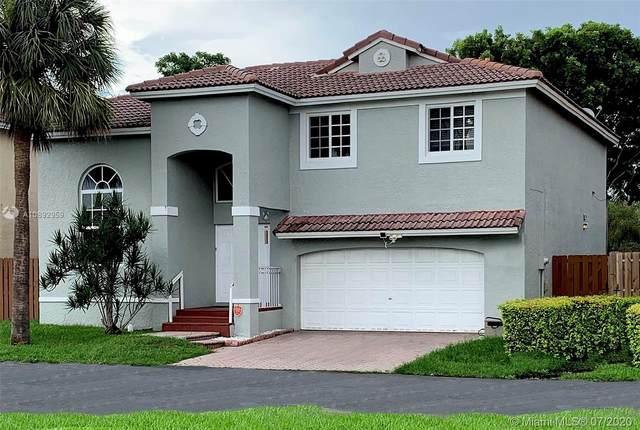 8013 SW 157th Ct, Miami, FL 33193 (MLS #A10892959) :: Castelli Real Estate Services