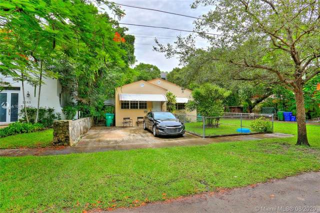 2613 Inagua Ave, Coconut Grove, FL 33133 (MLS #A10897155) :: The Riley Smith Group