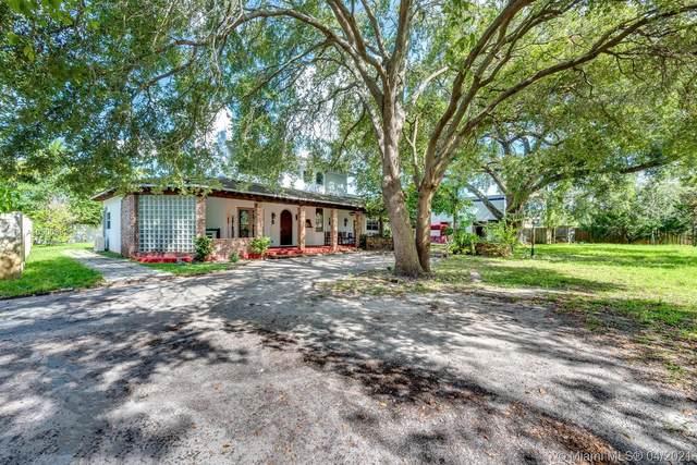 937 NE 171 St, North Miami Beach, FL 33162 (MLS #A10900992) :: The Rose Harris Group