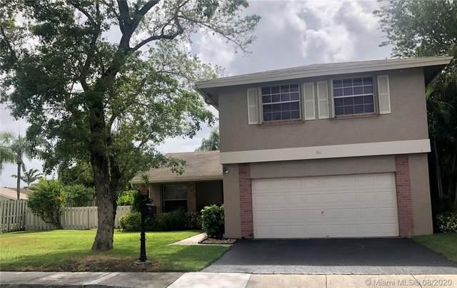 551 Auburn Way, Davie, FL 33325 (#A10901334) :: Real Estate Authority