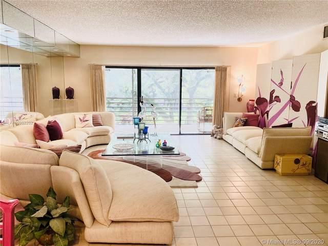 451 Ives Dairy Rd 305-1, Miami, FL 33179 (MLS #A10902202) :: Berkshire Hathaway HomeServices EWM Realty